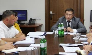 «Схеми»: Новий заступник Луценка зірвав операцію з викриття корупції у Міграційній службі та обшукував «Нову пошту»