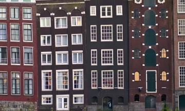 У Нідерландах послабили карантин. Заклади знову відкриті, обмеження на продаж алкоголю знято