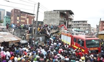 The Guardian: У Нігерії під час обвалу школи загинули п'ятеро дітей, ще понад 100 людей перебувають під завалами