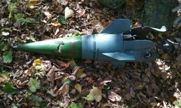На школу в Лисичанську впали уламки ракети, якою цілили в безпілотник. Його збили