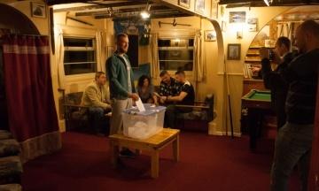 На «Академіку Вернадському» завершилося голосування на виборах до Верховної Ради. Волевиявлення зайняло 30 хвилин
