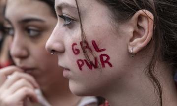 Проти сексуального і расистського насильства. Напередодні 8 березня Міланом пройшли сотні студенток