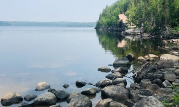 Юношей, подозреваемых в загадочных убийствах в Канаде, будут искать водолазы
