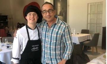 «Це змінило моє життя». Ресторан із шеф-кухарем із синдромом Дауна готується отримати зірку Мішлен