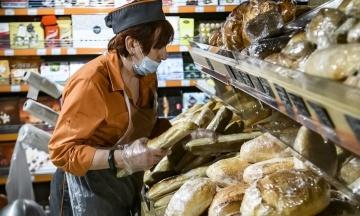 Зеленський запевнив, що нестачі харчів через коронавірус не буде. Також знизяться ціни на пальне