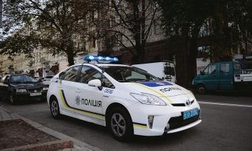 У Новій Одесі п'яний пенсіонер стріляв у дітей: троє поранених, 12-річний хлопчик у тяжкому стані. Чоловіку загрожує до 15 років в'язниці