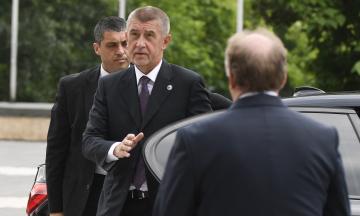 Прем'єр Чехії закликав країни ЄС вислати як мінімум по одному дипломату Росії через вибухи у Врбетіце