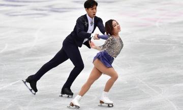 Китайский дуэт победил на Чемпионате мира по фигурному катанию. Пара поставила мировой рекорд