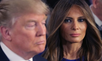 NYT: Трамп поміняв в Білому домі меблі, які добирала його дружина