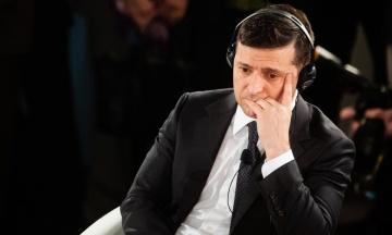 Зеленський підтримує незалежність НБУ, але дорікнув регулятору «сильною гривнею»