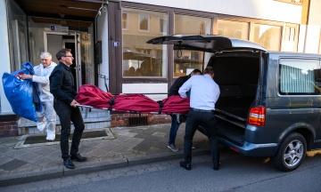 Убийство из арбалета в Германии: в 650 км от отеля полиция нашла еще два тела