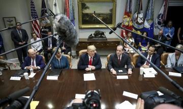 Трамп погодився поки не виводити війська із Сирії. Процес триватиме приблизно чотири місяці