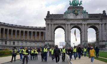 Протесты «желтых жилетов»: в Бельгии погиб первый митингующий