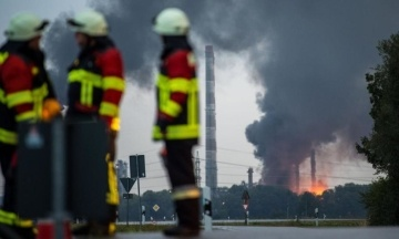 У Баварії горить нафтопереробний завод. Фотографія
