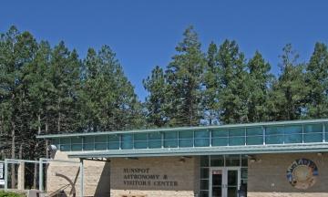 ФБР без пояснень закрило обсерваторію в Нью-Мексико. Конспірологи говорять про спалах на Сонці і прибульців