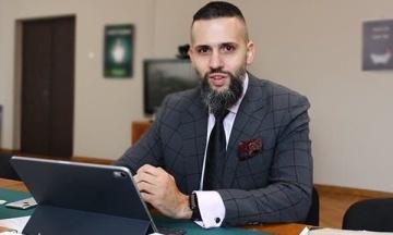 НАЗК просить заступника міністра економрозвитку Максима Нефьодова повідомити, яке у нього справжнє прізвище