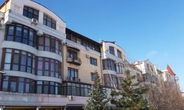 Конфісковану квартиру Януковича в Києві здали в оренду