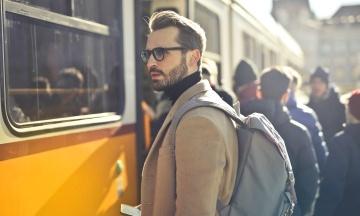 На Закарпатье возобновляют работу общественного транспорта. Пассажиров будут возить только на местах для сидения