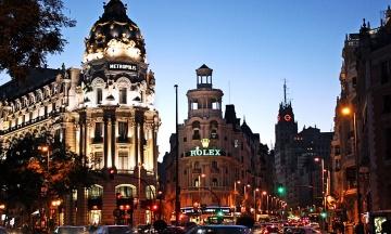 Правительство Испании ввело в Мадриде чрезвычайное положение, несмотря на сопротивление местных властей