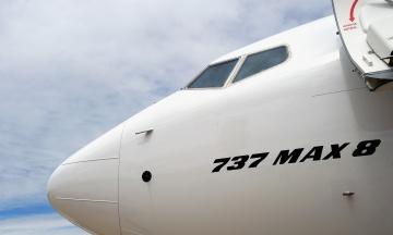 У літаках Boeing 737 MAX знайшли нову проблему. Це може знову призупинити їхні польоти