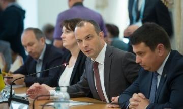«Піду по однодумцях». Нардеп Єгор Соболєв пояснив, як і коли створюватиме нову партію