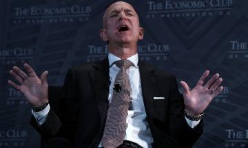 «Опубликуем фото ниже пояса». Глава Amazon Джефф Безос заявил, что его шантажируют люди из окружения Трампа