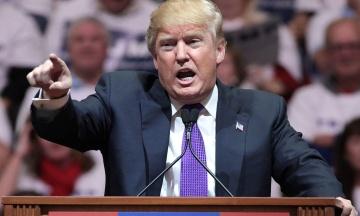 «Постраждаєте так, як мало хто страждав в історії». Трамп великими літерами написав попередження Ірану