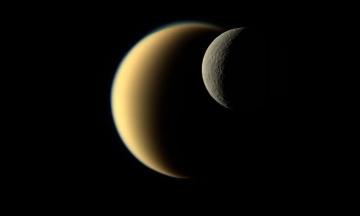 Зонд «Кассини» помог ученым сделать новое открытие о Титане. Его озера сезонные и заполнены метаном