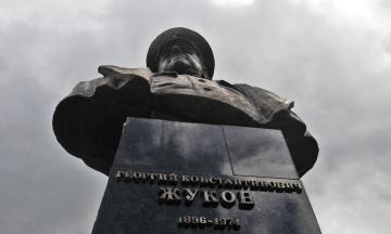 «Кто в праве забрать у людей победу». И. о. мэра Харькова Терехов объяснил, почему борется за память маршала Жукова