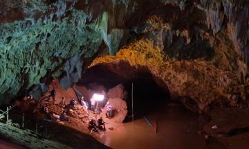 CNN: Спасатели давали кетамин 12 подросткам, которых в прошлом году вытащили из пещеры в Таиланде