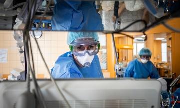 Минздрав: В Одесской и Тернопольской областях показатель госпитализаций больных с коронавирусом превысил норму