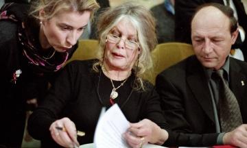 Актрису Брижит Бардо обвинили в разжигании расовой ненависти. Она оскорбила жителей острова Реюньон