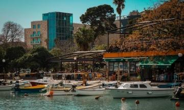 Чорногорія скасувала для українських туристів в'їзні обмеження, включно з ПЛР-тестом