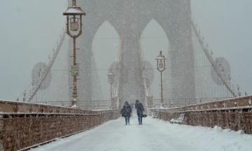 У Нью-Йорку через снігопад закрили школи й університет