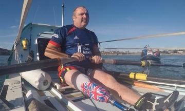 Британський морпіх з інвалідністю встановив світовий рекорд — сам на човні переплив Атлантичний океан