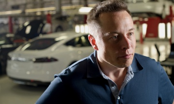 Електрокари Tesla під час пограбування гратимуть музику Баха