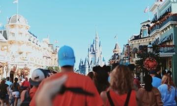 У Флориді після коронакризи відкривається найбільший у світі центр розваг Disney World