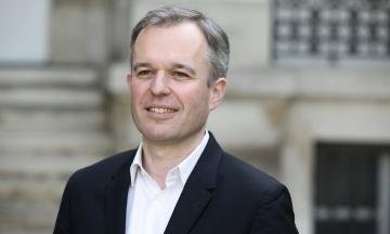 У Франції пішов у відставку міністр екологічних перетворень. Причиною став скандал навколо розкішних обідів