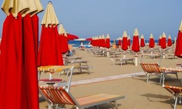 На італійському курорті застрягли українські туристи. Join UP! перенесла авіарейси