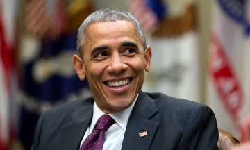 «Ложь уже облетела земной шар». Экс-президент США Обама прогнозирует длительную борьбу с фейками и коснпирологией во всем мире