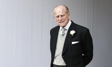 Супруга британской королевы госпитализировали для обследования сердца