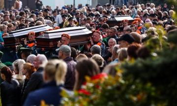 В Крыму простились с погибшими в массовом убийстве в Керчи