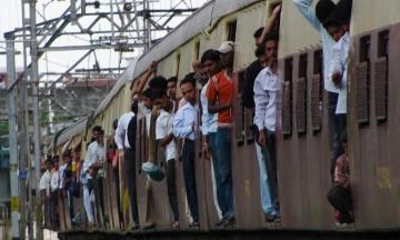 Самый быстрый поезд Индии сломался в первый же день после запуска
