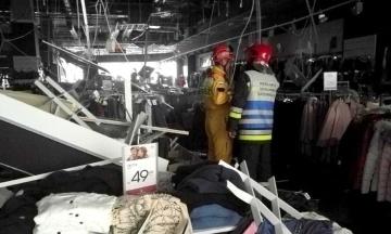 В польском Жешуве на посетителей торгового центра упал потолок. Есть пострадавшие