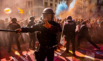 У Каталонії заблоковані автомагістралі та вулиці. Люди не згодні з провалом референдуму за незалежність
