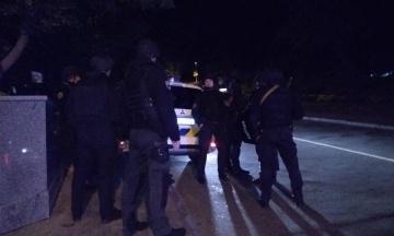 Подробиці перестрілки в центрі Києва: грабіжники напали на сім'ю судді, її чоловік поранений