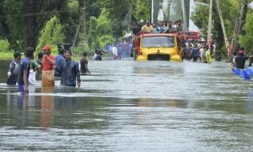 800 тисяч людей стали переселенцями внаслідок повеней на півдні Індії. Більше 350 загиблих