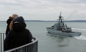 Велика Британія направила в Ла-Манш патрульний корабель для стримання нелегальних мігрантів