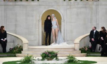 Reuters: Після смерті Лагерфельда будинок моди Chanel очолить його помічниця