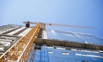 Суд заблокував нові будівельні правила. Вони повинні обмежити висотність і щільність забудови міст